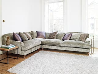 Galloway Corner Sofa: classic  by Darlings of Chelsea, Classic