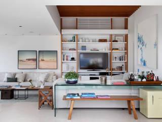 Mediterrane Wohnzimmer von Yamagata Arquitetura Mediterran