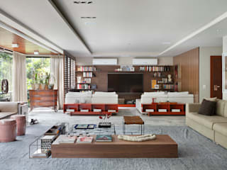 Salas multimedia de estilo moderno de Yamagata Arquitetura Moderno