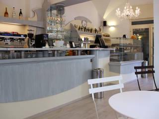 Ricostruzione del bar: Bar & Club in stile  di Firenze Interior