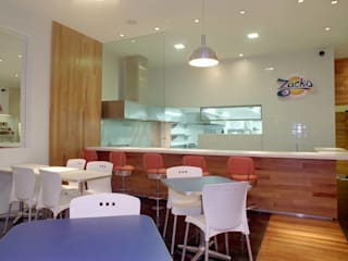 Hamburgueria Zacks - Centro Flavia Lucas & Adriana Esteves - Arquitetura Espaços gastronômicos modernos