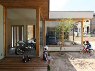 (株)ZAG空間設計舎 Modern garage/shed