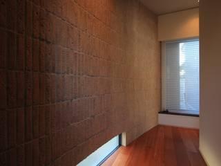 現代房屋設計點子、靈感 & 圖片 根據 MA設計室 現代風
