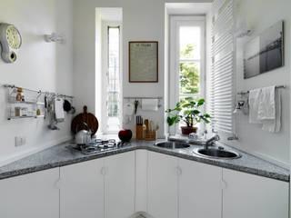 Kitchen by ARCHITETTO MARIANTONIETTA CANEPA