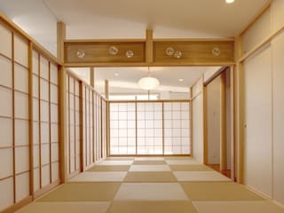 Dormitorios de estilo  por 株式会社FAR EAST [ファーイースト]