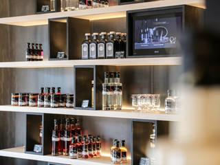 Mandlberggut:  Ladenflächen von Tischlerei Kotrasch