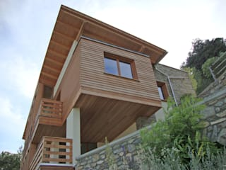 Villa in legno ad Aosta (AO): Case in stile  di Eddy Cretaz Architetttura