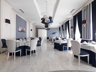 ELLEDUE ARREDAMENTI: AVANGUARDIA CLASSICA A BAKU Bar & Club in stile classico di ElledueArredamenti Classico