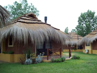 by D'ODORICO ARQUITECTURA Rustic