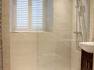 Shower room remodel: classic Bathroom by Estervan Interior Design
