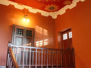 Pasillos, vestíbulos y escaleras de estilo clásico de isabella maruti architetto Clásico