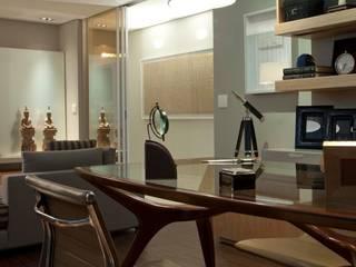 Residência CN: Escritórios  por Gláucia Britto