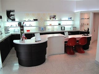 Contract & Hotel: Negozi & Locali commerciali in stile  di BenciDesign