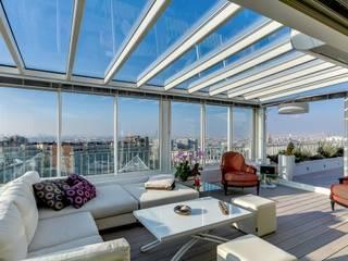 Loft à Paris Balcon, Veranda & Terrasse modernes par Meero Moderne