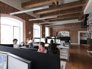 Oficinas y Tiendas de estilo  por LOFTING, Industrial