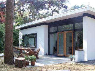 Bosvilla Soest: moderne Huizen door Bureau MT