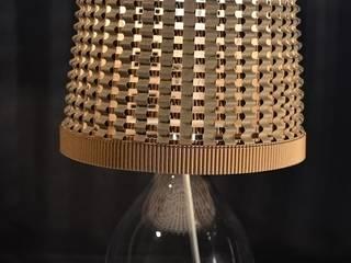 Petite lampe en carton par Les marottes de Tartine Éclectique
