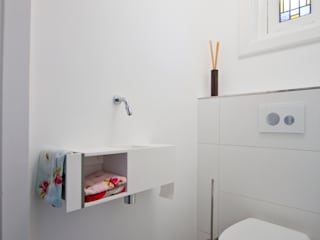 Country style bathrooms by Marike Country