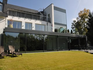 Schwimmhalle in Königstein Minimalistische Fenster & Türen von Metallbau Beilmann GmbH Minimalistisch