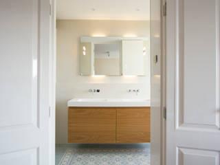 Marike penthouse, Amsterdam Mediterrane badkamers van Marike Mediterraan