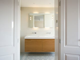 Mediterranean style bathrooms by Marike Mediterranean
