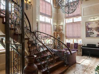 Особняк в Новогорске Коридор, прихожая и лестница в средиземноморском стиле от Интерьеры от Марии Абрамовой Средиземноморский