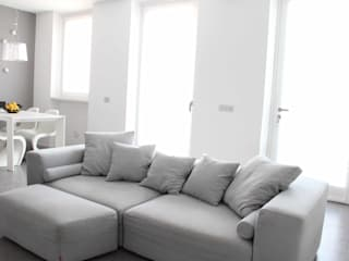 Living room by Elisa Rizzi architetto,