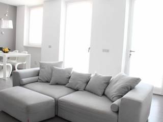 Salones minimalistas de Elisa Rizzi architetto Minimalista