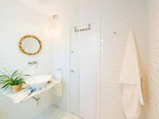 Salle de bain moderne par LF24 Arquitectura Interiorismo Moderne