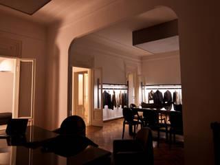 SHOWROOM IN MILAN - 2009|+101.00 Negozi & Locali commerciali moderni di Cacciamani Diego Architetto Moderno