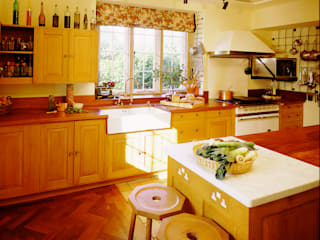 Barton Manor oak kitchen designed and made by Tim Wood by Tim Wood Limited Colonial