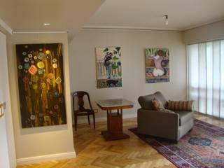 Living después de intervención :  de estilo  por Hargain Oneto Arquitectas