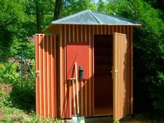 KULTGARTENHAUS:  Garage & Schuppen von Buntwerk GBR