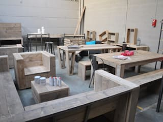 Le Showroom de Loom Spirit Loom Spirit Salle à manger scandinave