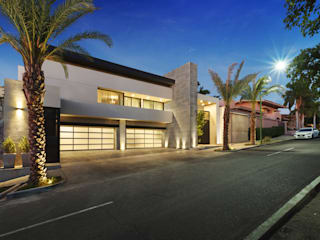 Modern Houses by Juan Luis Fernández Arquitecto Modern