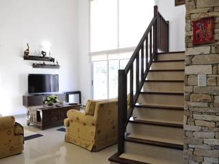 Salas de estilo clásico de Opra Nova - Arquitectos - Buenos Aires - Zona Oeste Clásico
