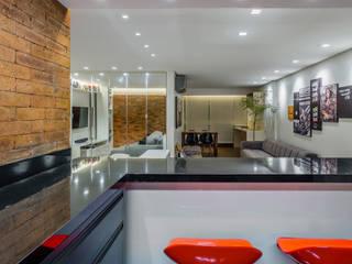 TROPICAL LOFT Cozinhas industriais por STUDIO ANDRE LENZA Industrial