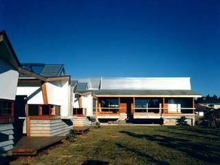 有限会社加々美明建築設計室 Casas de estilo ecléctico Cobre/Bronce/Latón