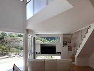 一級建築士事務所アトリエm Living room Wood White