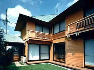 有限会社加々美明建築設計室 Rumah Gaya Eklektik Kayu Wood effect