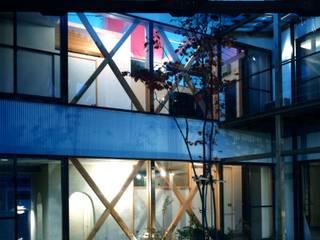 有限会社加々美明建築設計室 Rumah Gaya Eklektik Batu Kapur White