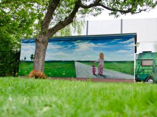 Garagentor Illusionsmalerei:  Garten von BOMBYE Kreation