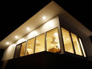 千鳥のお家 - 徳永邸-: 宮城雅子建築設計事務所 miyagi masako architect design office , kodomocafe が手掛けた家です。,ミニマル