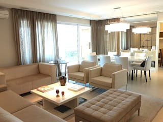Salones de estilo moderno de Comparato Arquitetura Moderno