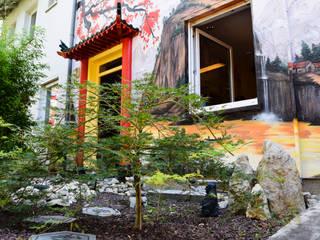 Asian style garden by BOMBYE Kreation Asian