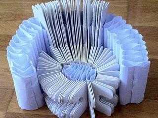 Fauteuil en carton par Vaiana Martinez Architecte d'intérieur Éclectique