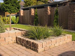 Rimini Baustoffe GmbH Mediterranean style garden Beige