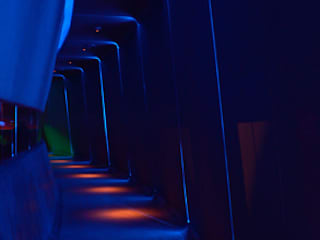 Soundclub Modern bars & clubs by Inverse Lighting Design ltd. Modern