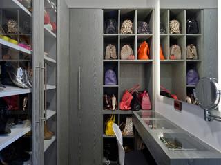 Vestidores de estilo  de HO arquitectura de interiores, Moderno