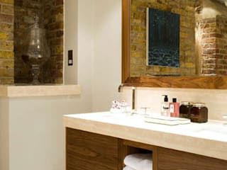 Wall hall mansion: classic Bathroom by Inverse Lighting Design ltd.